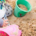 泥汚れのキレイな落とし方!砂遊びに草野球、どろんこよりも母は強いぞ