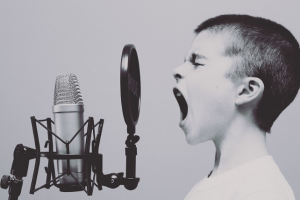 大動脈瘤と声